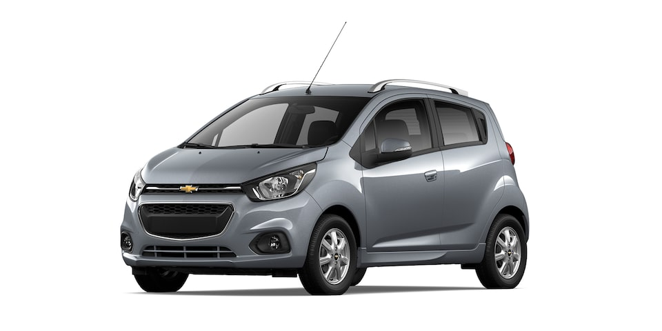 Chevrolet Beat HB 2021, auto hatchback en color gris acero